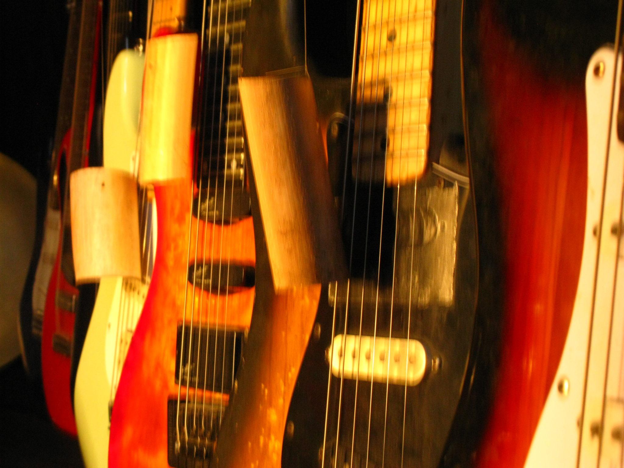 Résidence de Dominique Pichon «9 Guitares . 1 »