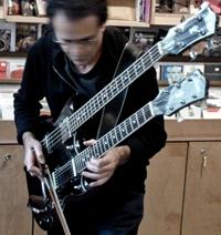 RESONANT DOOM – ERYCK ABECASSIS (FRA)  Guitare électro-live au planétarium:  sam 24/03 à 21h