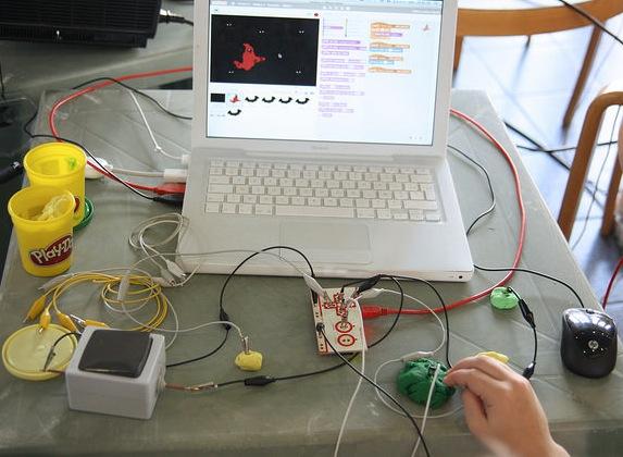 Apprendre le code informatique, avec et sans ordinateur, en s'amusant !