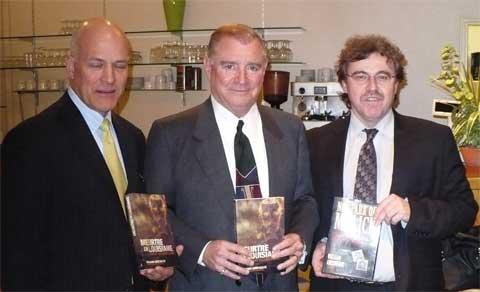 De gauche à droite, Guy Vadeboncoeur, William Arceneaux, et Didier Moreau, directeur de l'EMF.