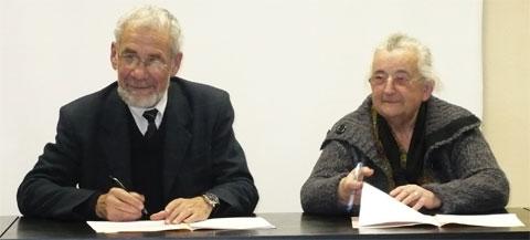 Jean-Claude Desoyer, président de l'EMF, et Reine Papillon, présidente de la MJC.